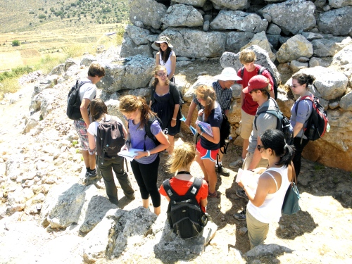 The group examines the crude, Cyclopean masonry at the east entrance to the citadel of Midea. We noticed how the bottom of the entrance is the narrowest portion of the entranceway.