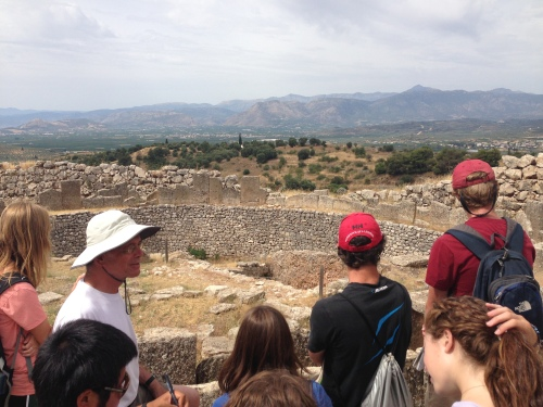 Rutter lectures about Grave Circle A—a burial and cult site with a view of the Argolid.