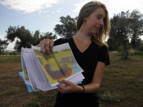 Katie showing a diagram of the Greek forces enveloping the Persians at the turning point of the battle.